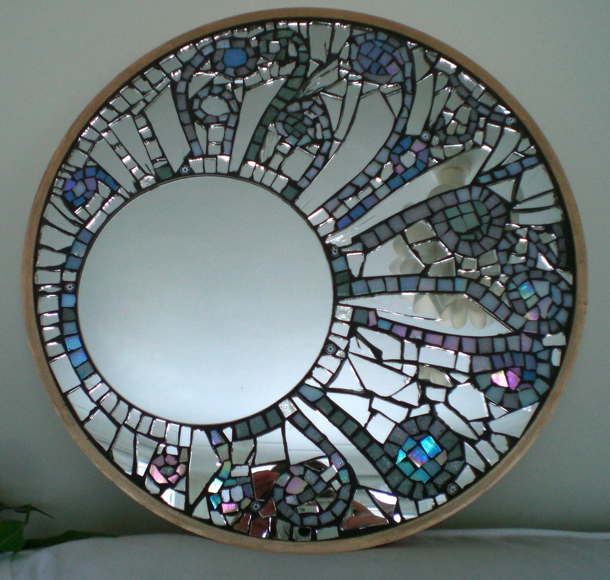 Mirror mosaic kawportfolio for Mirror glass design